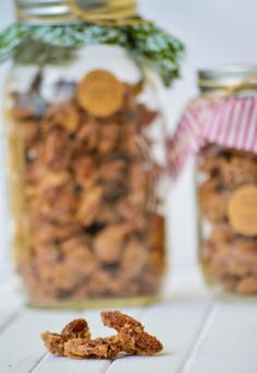 Cinnamon Sugar Candied Nuts // great idea for edible holiday gifts or fall treat