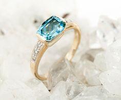 L'Aigue-Marine, pierre de naissance du mois de mars! Tous nos bijoux en or et en argent sertis d'Aigues-Marines sur Juwelo