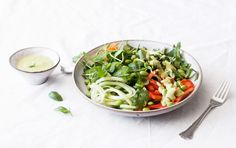 This spicy Thai salad features tons of fresh raw veggies and herbs and a creamy, avocado based dressing that packs a little heat! Vegan Menu, Raw Vegan Recipes, Vegetarian Recipes, Vegan Ideas, Healthy Recipes, Eating Raw, Healthy Eating, Easy Thai Recipes, Vegetable Dips