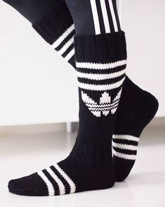 Kolme raitaa toimii aina! #adidas #adidassukat #knitting #handmadewithlove #woolsocks #kolmeraitaa #sport #Novita Diy Crochet And Knitting, Knitting Charts, Knitting Socks, Hand Knitting, Crochet Shoes Pattern, Knitting Patterns, Adidas Socks, Wool Socks, Diy Clothes