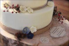 Rustikale Schönheit - Detailaufnahme Birthday Cake, Desserts, Wedding, Wedding Cakes, Rustic, Tailgate Desserts, Valentines Day Weddings, Deserts, Birthday Cakes