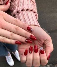 Amazing red Christmas nails with glitter and rhinestones! - Amazing red Christmas nails with glitter and rhinestones! Cute Christmas Nails, Xmas Nails, Christmas Nail Designs, Holiday Nails, Halloween Nails, Valentine Nails, Christmas Ideas, Christmas Decorations, Red And Silver Nails