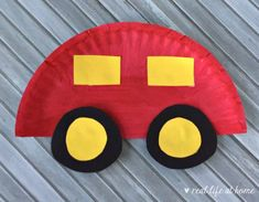 Easy Paper Plate Car Craft for Kids (Plus Printable Packet) is part of Kids Crafts Ideas For Boys - Easy paper plate car craft for kids for carloving kids There is also information about a free carthemed learning packet for preschoolers Paper Plate Art, Paper Plate Crafts For Kids, Paper Plates, Paper Crafts, Paper Plate Masks, Fox Crafts, Diy Arts And Crafts, Preschool Valentine Crafts, Preschool Activities