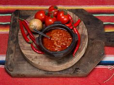 Salsa tres chiles Tex Mex, Chile, Cherry, Fruit, Vegetables, Recipes, Sauces, Food, Recipies