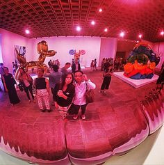 """""""Because what's really great about art is where art happens is inside the viewer."""" @JeffKoonsStudio @TheCut  #selfie #balloon http://nymag.com/thecut/2014/07/jeff-koons-is-happy-to-be-the-selfie-of-summer.html"""