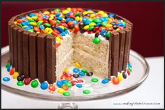 How to make a Happy Birthday cakes that will knock their socks off! These birthday cake recipe are all homemade birthday cakes so you can learn how to make cakes for men, women, girls, and boys. Everyone feels more special with a homemade cake and they a… Diy Birthday Cake, Homemade Birthday Cakes, Adult Birthday Cakes, 22 Birthday, Rainbow Birthday, Birthday Ideas, Candy Cakes, Cupcake Cakes, Sweets Cake