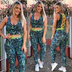 Legging Laço Filtro Dos Sonhos Blue na Lexafitwear. Cute Athletic Outfits, Moda Fitness, Workout Wear, Exercise Moves, Vest, Bikinis, Leggings, Beautiful, Dresses