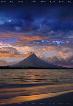 Mayon volcano, eruption january 2007. By Per Andre