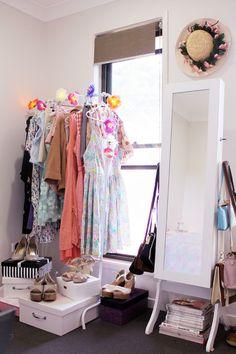 Ideas corner closet ideas bedrooms hooks for 2019 Corner Closet, Closet Office, Closet Space, Organizar Closet, Bric À Brac, Wardrobe Storage, Clothing Storage, Interior Decorating, Interior Design