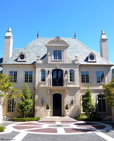 Small French Chateau Style Homes. 15 Small French Chateau Style Homes. French Renaissance Chateau Style Mansion with Elegant Curb Architecture Design, French Architecture, Facade Design, Exterior Design, Entrance Design, Exterior Colors, French Style Homes, Style At Home, French Chateau Homes