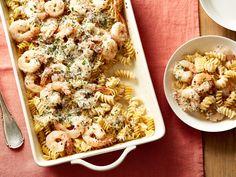 Get Alfredo Shrimp Scampi Dump Dinner Recipe from Food Network pasta alfredo Alfredo Shrimp Scampi Dump Dinner Fish Recipes, Seafood Recipes, Pasta Recipes, Dinner Recipes, Cooking Recipes, Dump Recipes, Recipies, Cooking Courses, Cod Recipes