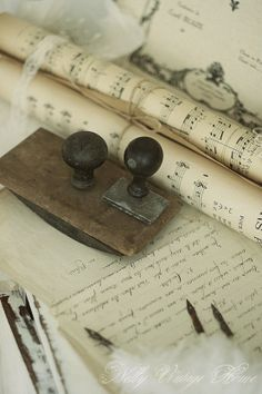 bea old letters Vintage Accessoires, Old Letters, Letter Writing, Vintage Love, Vintage Pens, Vintage Chest, Vintage Music, Quilling, Old Things