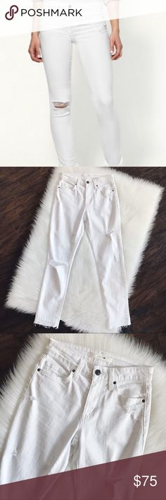 🌟N E W🌟JOE'S White Skinny Deconstructed Jeans JOE'S White Skinny Deconstructed Jeans, size 25, brand new without tags. Measurements upon request. Joe's Jeans Jeans