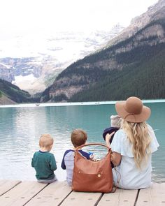 Adventuring with the PacaPod Jasper diaper bag. The perfect changing bag for mama and her babies, no matter the destination. Mom Dad Baby, Mom And Dad, Diaper Storage, Travel With Kids, Family Travel, Baby Number 2, Baby Changing Bags, Cute Family, Baby Essentials