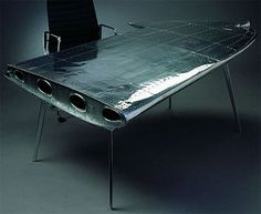 airpLane wing desk..