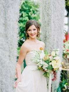 more sodazzling.com | Shelldance Orchid Garden Inspiration from Daniel Kim Photography - danielkimphoto.com