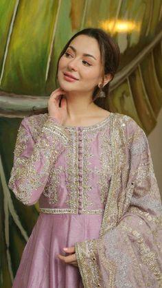 Asian Wedding Dress Pakistani, Beautiful Pakistani Dresses, Pakistani Dress Design, Pakistani Outfits, Pakistani Frocks, Pakistani Models, Latest Bridal Dresses, Fancy Wedding Dresses, Party Wear Dresses