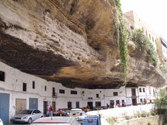 Setenil de Las Bodegas, town under the rock.
