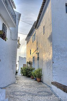 Wonderful early morning light on an Andalusian village - #Spain