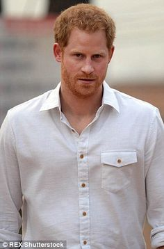Eggs royale! Prince Harry stuns supermarket shoppers as he is spotted in a baseball cap using a self-service till to buy groceries at Waitrose | Daily Mail Online