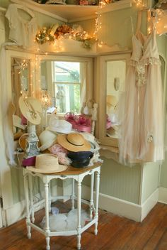 Hats for you to wear!!!! (Aiken House & Gardens: Most Romantic Tea Room Ever!)