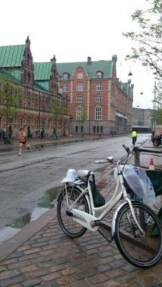 4. runner passing by in the rainy Copenhagen Marathon 2013 ... Tags: #Batavus, #Diva, #Bicycle, #Bike, #small #adventure, #copenhagen, #marathon #copenhagenmarathon