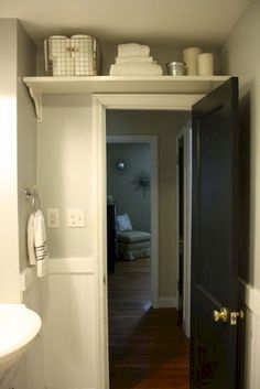 Awesome 40 Graceful Tiny Apartment Bathroom Remodel Ideas on A Budget https://homeastern.com/2017/08/03/40-graceful-tiny-apartment-batroom-remodel-ideas-budget/