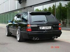 Black Mercedes s124 with e55 AMG exhaust