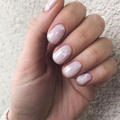 The advantage of the gel is that it allows you to enjoy your French manicure for a long time. There are four different ways to make a French manicure on gel nails. Mauve Nails, Pink Nails, My Nails, Short Gel Nails, Short Nails Art, Manicure For Short Nails, Minimalist Nails, Nagel Gel, Nail Decorations