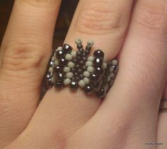 Beaded Butterfly ring (Tutorial on Youtube)