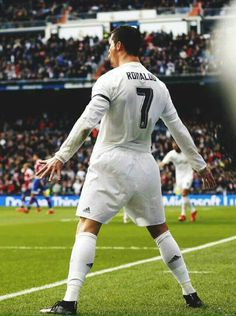 Cristiano Ronaldo, Ronaldo Wallpapers, Isco, Gareth Bale, Soccer Players, Neymar, Real Madrid, Champion, Saints