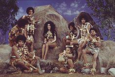 Tito Jackson, Jackie Jackson, Marlon Jackson, Jermaine Jackson, Michael Jackson, Randy Jackson, and Janet Jackson with Cher.