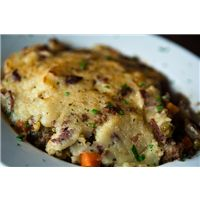 Shepherd's Pie is one of my favorite autumn/winter meals. Easy to assemble and even easier to eat, this savory pie is sure to be a crowd-pleaser! This simple recipe is gluten free and milk/dairy free (GFCF, of course!) but also free of soy, corn, pean Chicken Shepherd's Pie, Chicken Recipes, Turkey Recipes, Mushroom Casserole, Cajun Dishes, Food Dishes, Cottage Pie, Stuffed Mushrooms, Stuffed Peppers