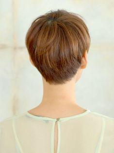 Short Pixie Cuts Back Views