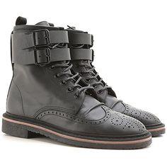 Bei uns finden Sie die exklusiven und modischen Schuhe für die Dame aus dem Hause Golden Goose der letzten Kollektion zu besten Preisen und guter Auswahl.
