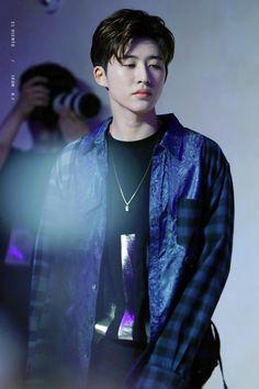 Be Strong, Hanbin❤ Kim Hanbin Ikon, Ikon Kpop, Bobby, Ringa Linga, Ikon Leader, Ikon Wallpaper, Ikon Debut, Hip Hop, Fandom