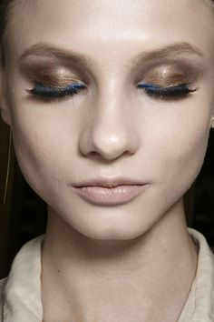 This gold and blue eyeshadow is perfection // Atelier Versace Couture Spring 2014