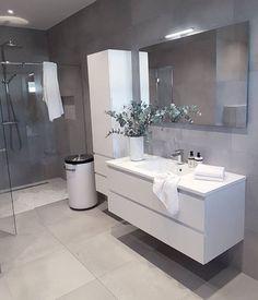 Trendy Bathroom Layout No Toilet Vanities Trendy Bathroom, Bathroom Makeover, Bathroom Cupboards, Bathroom Layout, White Bathroom Storage, Shower Room, Bathroom Interior, Modern Bathroom, Luxury Bathroom