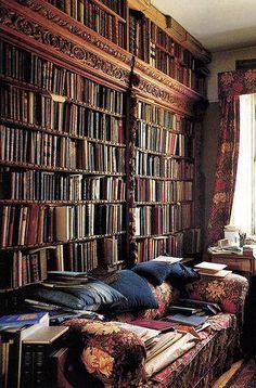 We'd love to curl up in here with a book and a cup of tea.