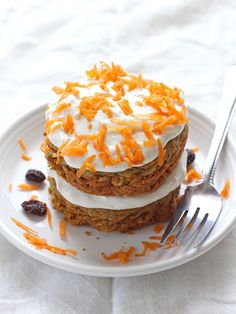7 Single-Serving Dessert Recipes That Will Satisfy That Craving in Minutes (domino) Single Serve Brownie, Single Serve Desserts, Single Serving Recipes, Cooking For One, Meals For One, Cooking Tips, Nutella Mug Cake, Best Carrot Cake, Lime Cheesecake