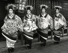 Four tayuu. About 1910's, Japan. Images via yuki willy v of Flickr