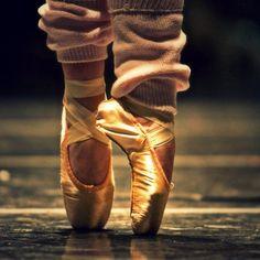 dance like no one is watching.