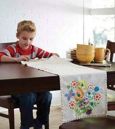 Create your own table runner! Kids Craft Ideas from We Made It by Jennifer Garner