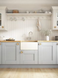 Laura Ashley Kitchen, Whitby Kitchen, Traditional Kitchen Decor, Kitchen design