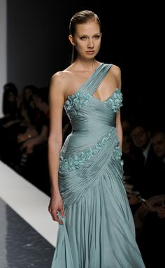 Most Beautiful Dresses, Beautiful Outfits, Formal Evening Dresses, Evening Gowns, Special Dresses, Gowns Of Elegance, Couture Dresses, Stylish Dresses, Pretty Outfits