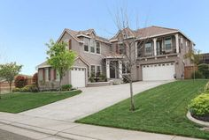 $659000 / 6br - (2159 Fenceline, Folsom, CA) This gorgeous 2-story home has 6 bedrooms & 4 bathrooms. The upstairs Master has a balcony w/a local view, & a spacious bathroom complete w/granite counters, dual sinks, large shower & a wonderful walk-in closet. The gourmet kitchen w/granite counters opens into a high ceiling family room w/a corner fireplace. Enjoy the peaceful back yard w/its Swim Spa.  Offered at $659,00. Contact Randy Kendall at 916-205-8620 for more information.
