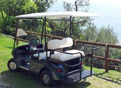 Nei campeggi i golf cars sono strumenti utilissimi sia per il trasporto delle persone che dei materiali. Per questo le aziende acquistano sempre modelli di golf car di entrambe le categorie.