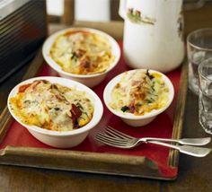 Cauliflower cheese & spinach pasta bakes