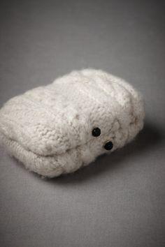 knit clutch.