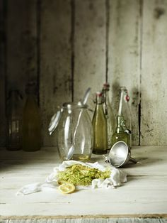 Elderflower syrup, photo: Frank Weinert
